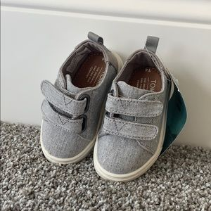 TOMS Tiny Baby Infant Shoes Size 4 Grey Chambray